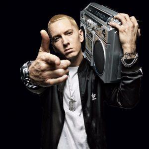Akon Ft Eminem – Smack That